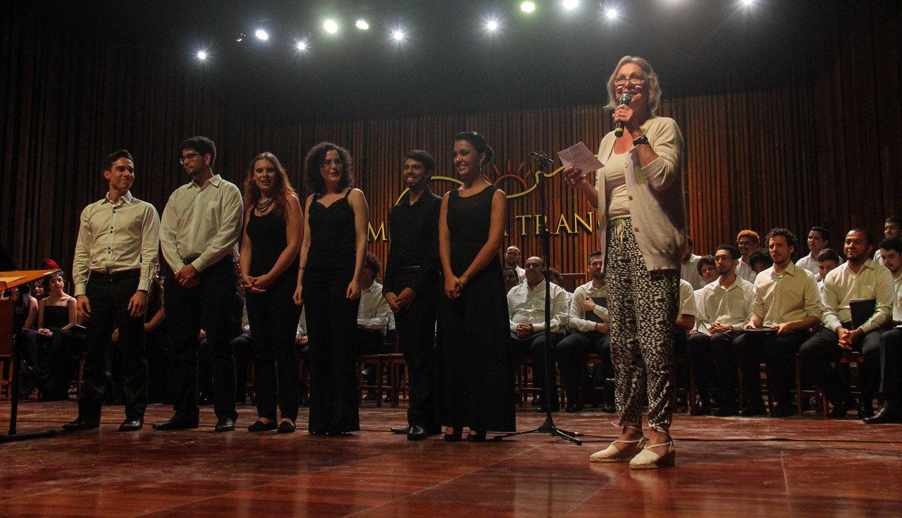 Mídia Internacional: Trancoso, a primeira academia de canto coral no Brasil – um estrondoso sucesso